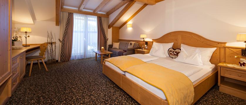 Hotel Sun Valley - Standard Room.jpg
